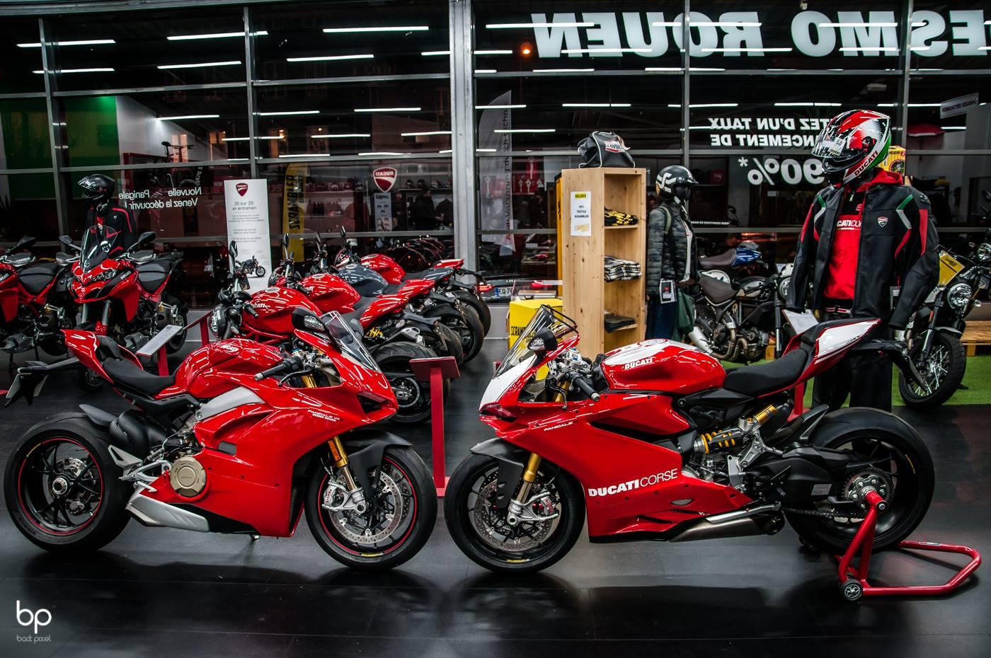 Une bien belle soirée Chez Desmo Rouen pour la présentation de la Ducati Panigale R ( 1198 cc et ses 196ch ) Ainsi que la Panigale V4 S (1103 cc et ses 214ch )